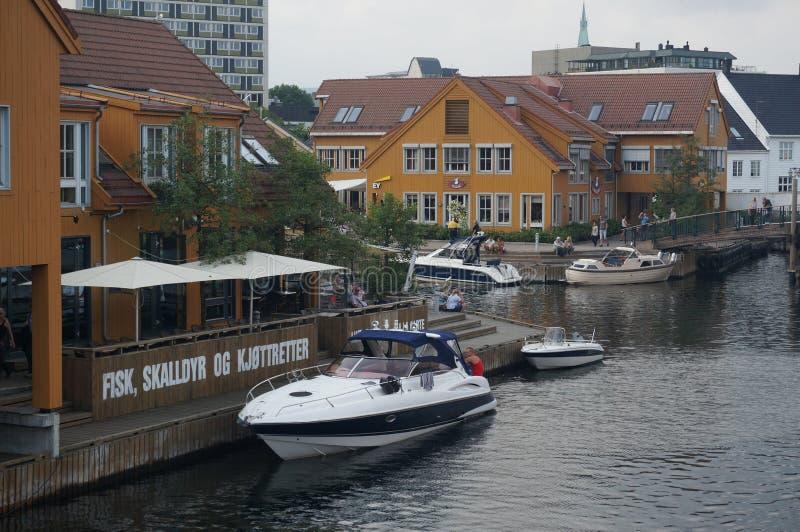 Port dans le port de Kristiansand, Norvège photographie stock libre de droits