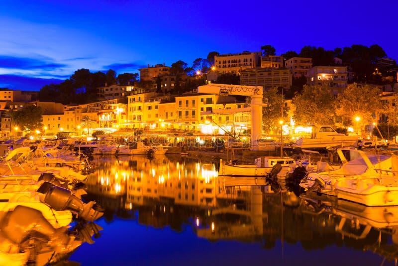 Port de索勒日落在巴利阿里群岛的马略卡 免版税库存图片