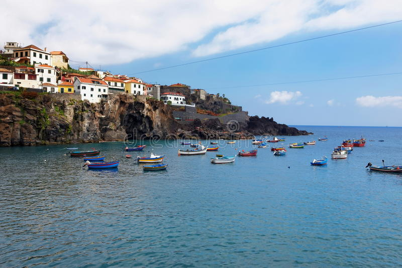 Port de Camara de Lobos près de Funchal, île de la Madère, Portugal photos stock