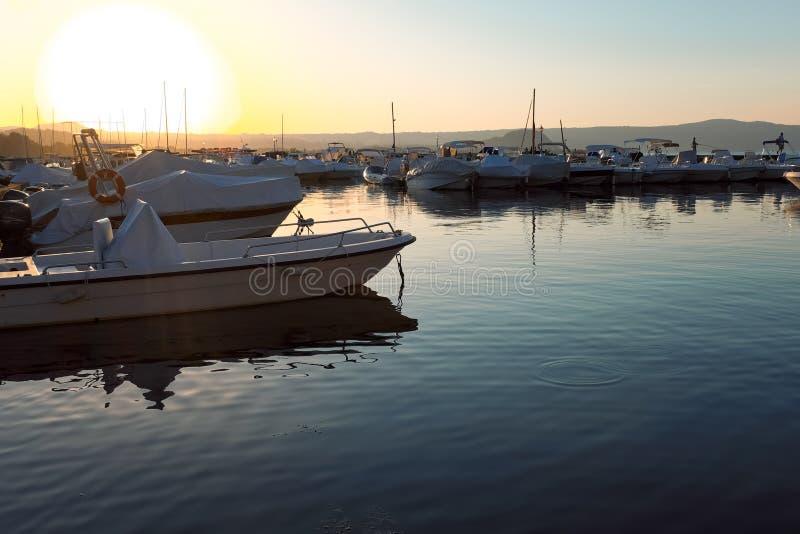 Port de Capodimonte au coucher du soleil images libres de droits