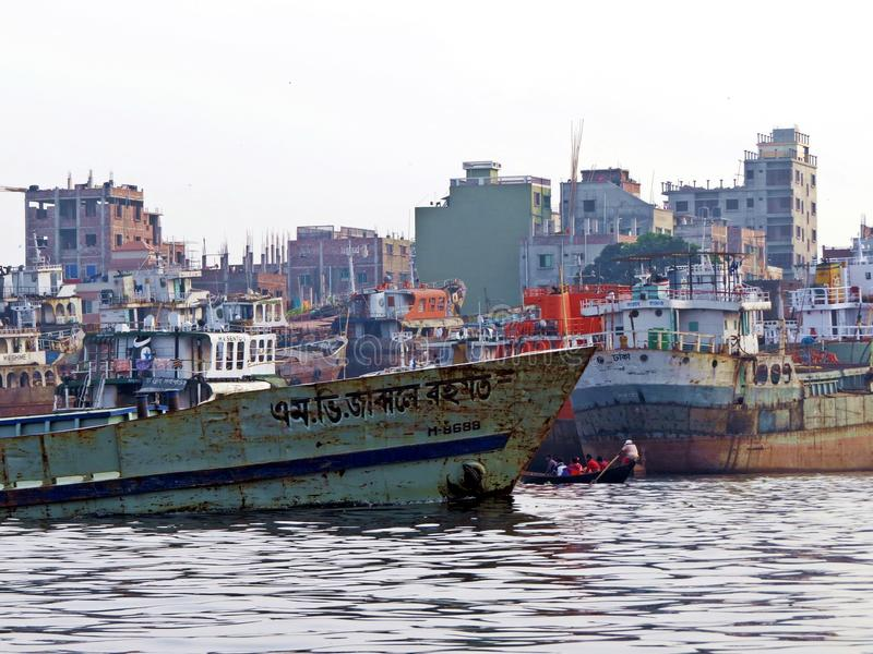 Port de Dhaka, rivière de Buriganga, Dhaka, Bangladesh image libre de droits