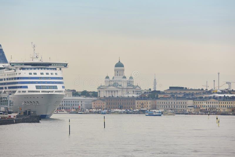 Port de Helsinki, centre de la ville et cathédrale de lutheran Voyage Finl photo libre de droits