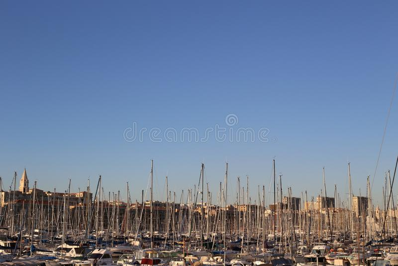 port de Marseille na niebie obrazy royalty free