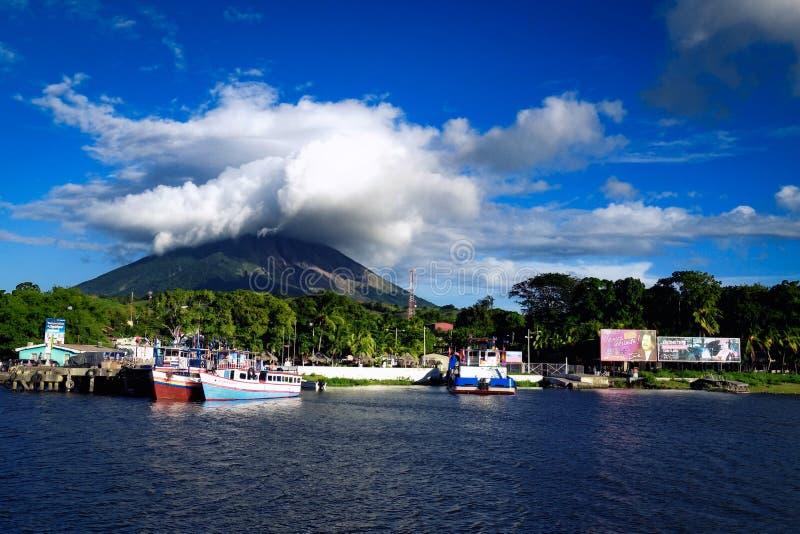 Port de Moyogalpa sur l'île d'Ometepe, Nicaragua images stock