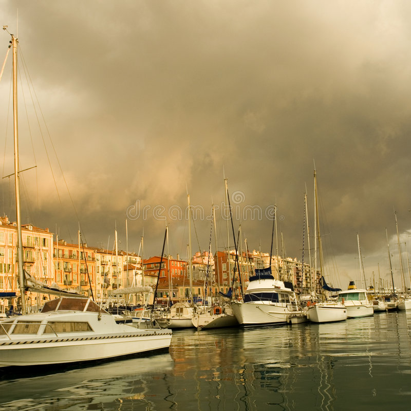 Port de Nice après la tempête photographie stock