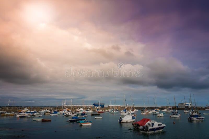 Port de Penzance au coucher du soleil photo stock