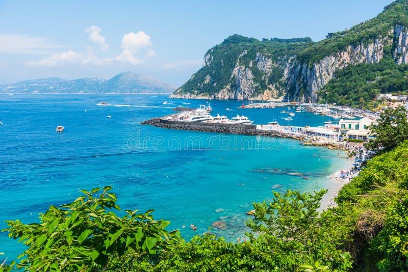 Port de renommée mondiale de Capri un jour ensoleillé photo libre de droits