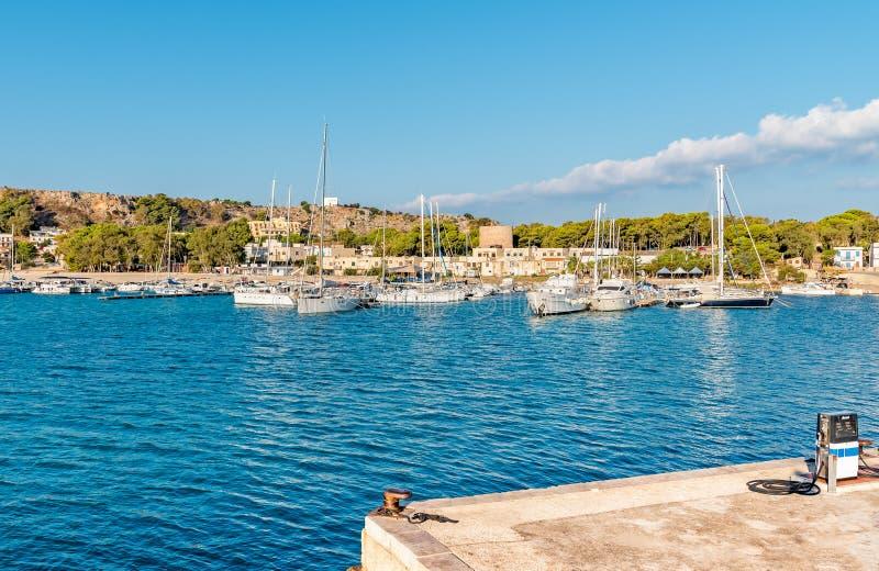 Port de San Vito Lo Capo, Italie images stock