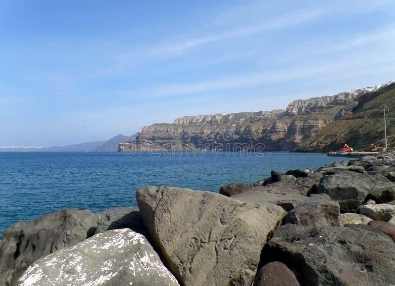 Port de Santorini avec la vue renversante de la caldeira et de la mer Égée, île de Santorini images stock