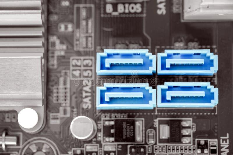 Port de SATA-II dans le bureau sur la carte mère de PC image libre de droits