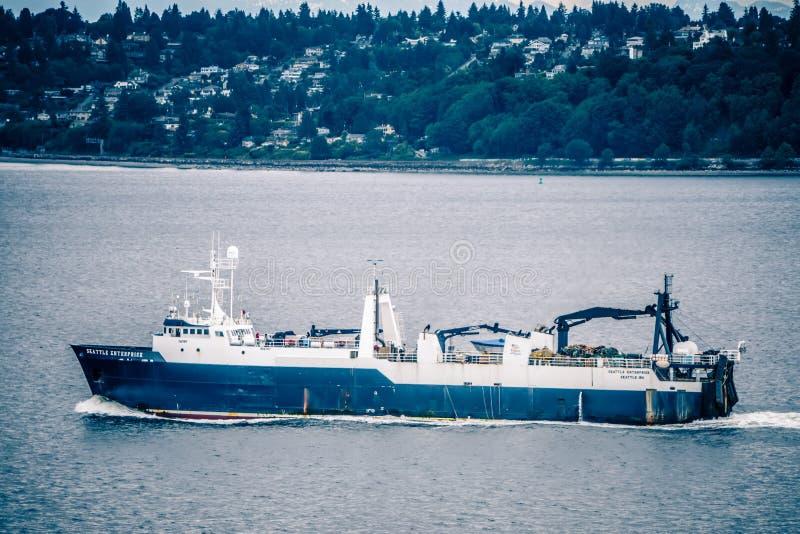 Port de Seattle et de piliers et environs le jour ensoleillé images stock