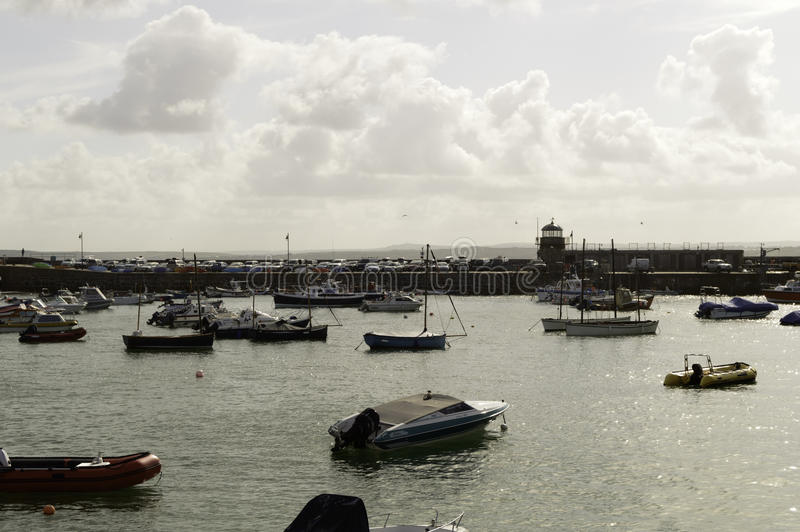 Download Port de St Ives photographie éditorial. Image du port - 76077532
