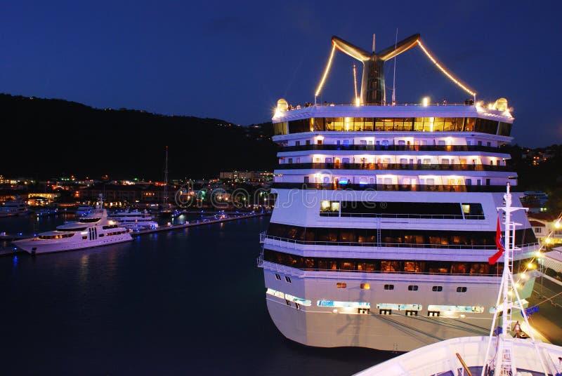 Port de St.Thomas la nuit photos stock