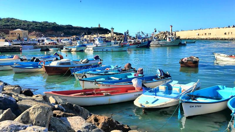 Port de Tipaza (Tipasa) Le siège urbain du comté est ville de Khemisti, là sont deux villes secondaires, Khe banque de vidéos