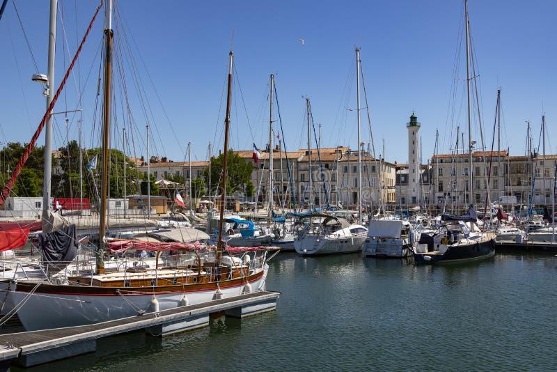 Port de Vieux et phare - La Rochelle - Frances images stock