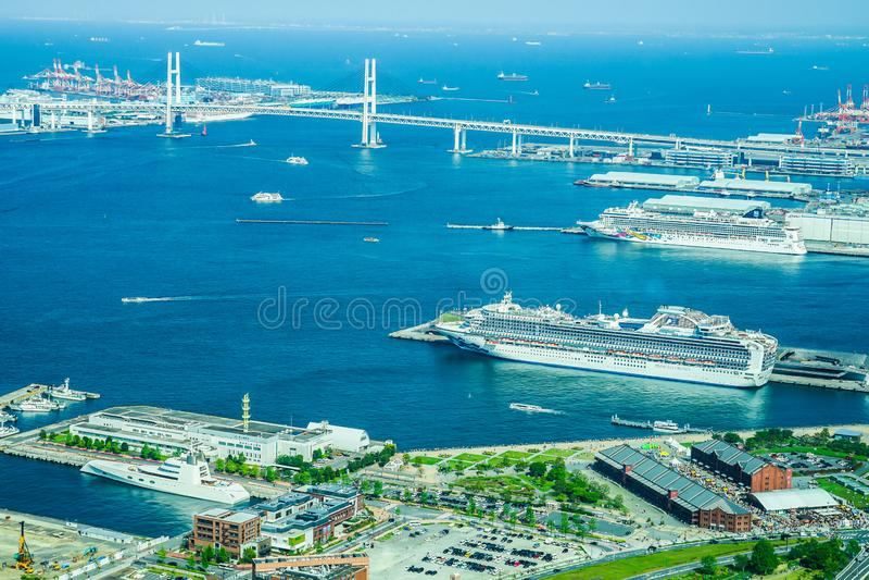Port de Yokohama de Landmark Tower 20180428 La compagnie de luxe Hatsusoto nationalisée a débarqué simultanément trois navires photographie stock