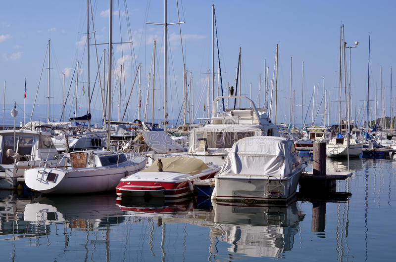 Port des les Bains de Thonon en France image libre de droits
