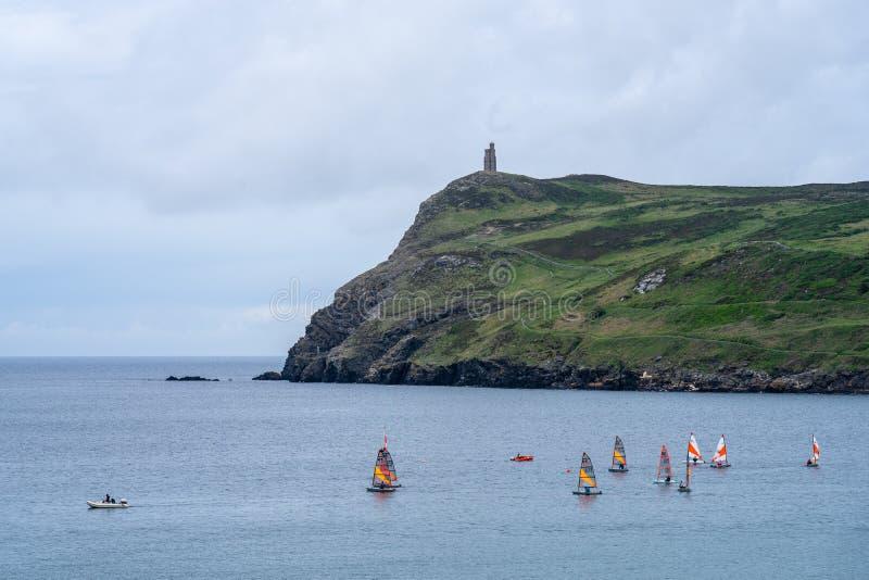 Port Erin, île de Man, le 16 juin 2019 Navigation de la formation de peloton chez Erin Bay gauche photos libres de droits