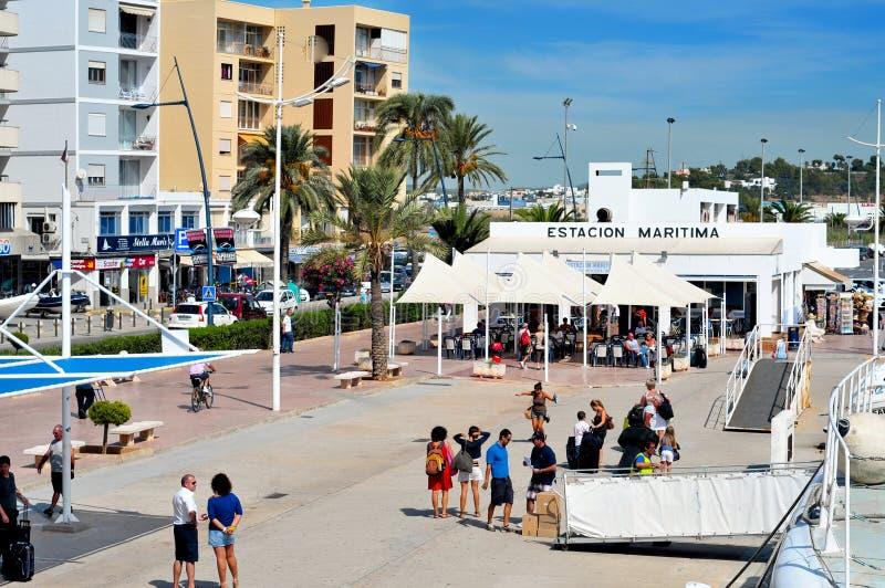 Port et vieille ville de ville d'Ibiza, dans Ibiza, Îles Baléares, station thermale images stock