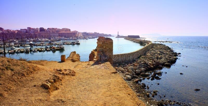 Port et ville de Hania images libres de droits