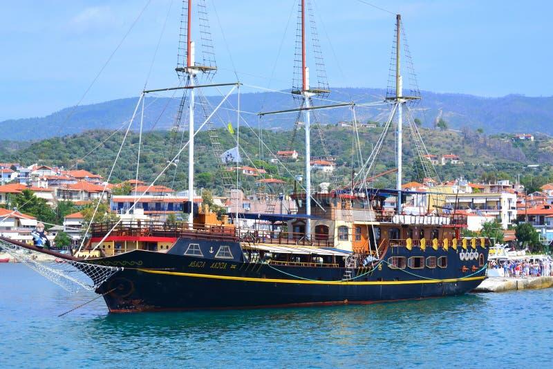 Port Grekland för semesterort för kryssningskepp royaltyfri foto