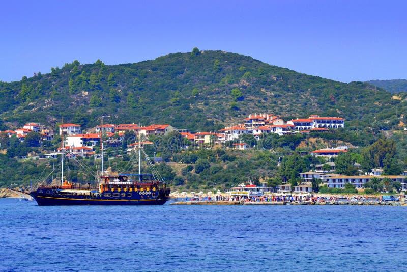 Port Grekland för semesterort för kryssningskepp royaltyfria bilder