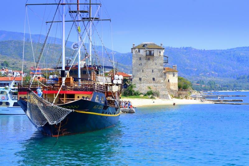 Port Grekland för semesterort för kryssningskepp fotografering för bildbyråer