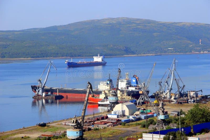 Port i Murmansk royaltyfri foto