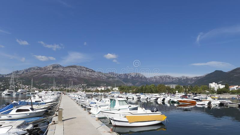 Port i stång i Montenegro royaltyfria foton