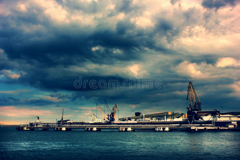 Port industriel images stock