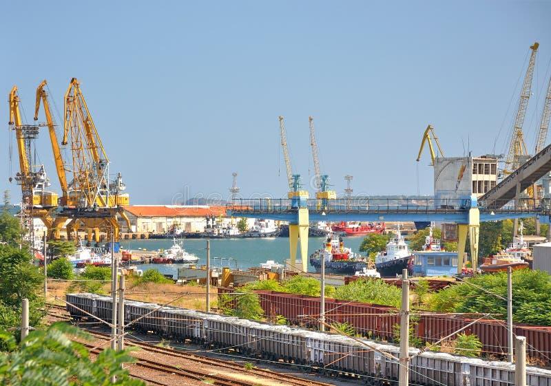 Port industriel de la Mer Noire images libres de droits