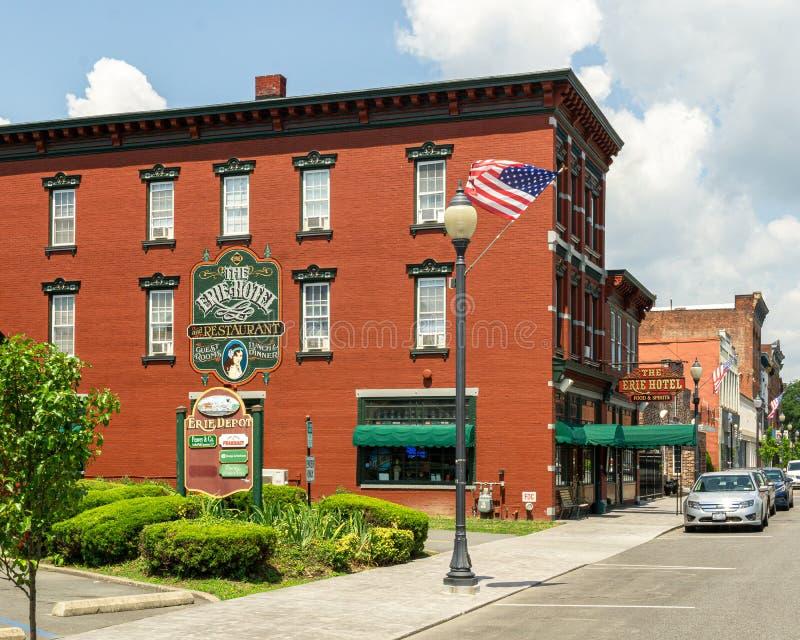 Port Jervis, NY / Ηνωμένες Πολιτείες - 7 Ιουλίου 2019: Θέα του ξενοδοχείου και εστιατορίου Erie στοκ φωτογραφίες