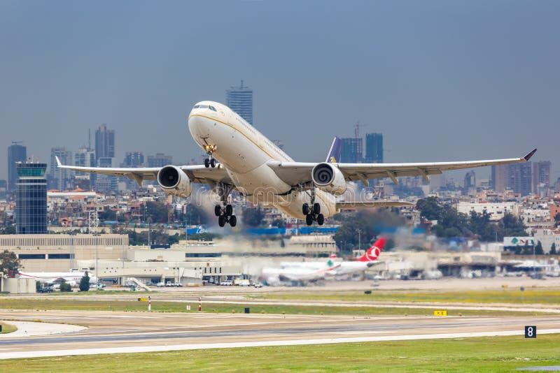 Port lotniczy Saudi Arabian Airlines Airbus A330 fotografia royalty free
