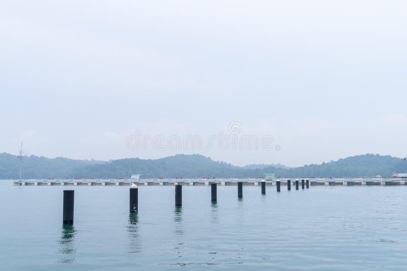 Port Malaisie Johor Bahru de Puteri croisant à Singapour image libre de droits