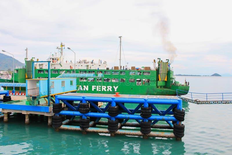 Port maritime de terminal du ferry de seatran un samui de KOH de pilier, Surat Thani photos stock