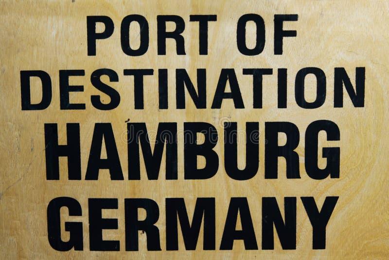 Port miejsce przeznaczenia Hamburski Niemcy drukujący na drewnianym transportu pudełku fotografia royalty free
