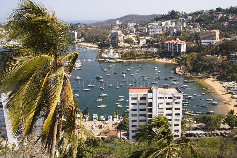 Port occupé à Acapulco image libre de droits
