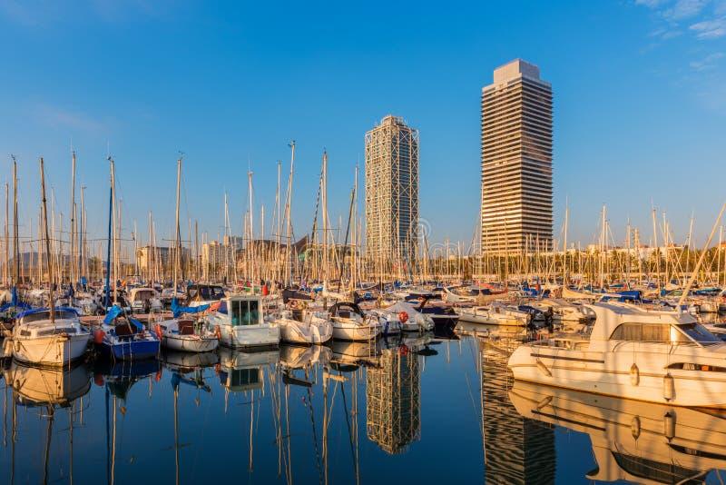 Port-Olimpic-Jachthafen in Barcelona Spanien lizenzfreie stockfotografie