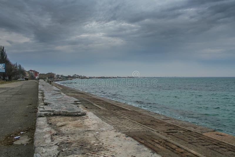 Port, plage dans Feodosiya photo libre de droits