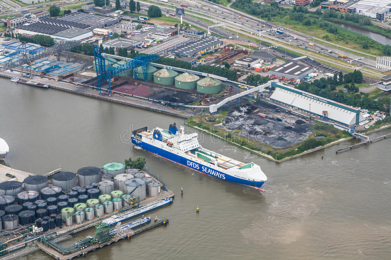 Download Port of Rotterdam editorial photography. Image of netherlands - 32337017