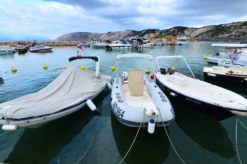 Port sur la côte croate photo libre de droits