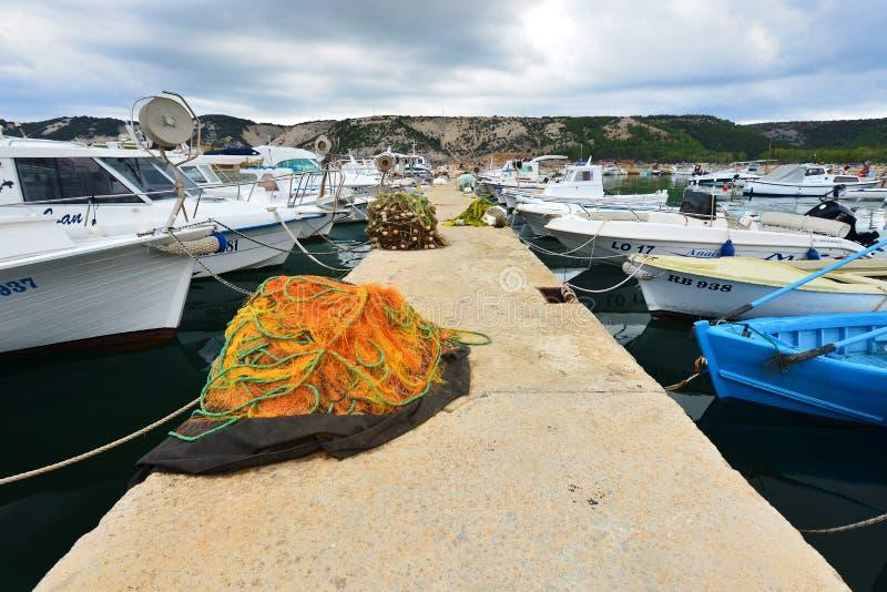 Port sur la côte croate, Rab City images libres de droits