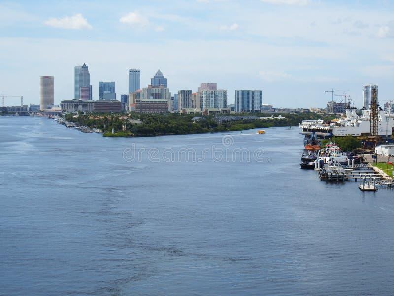 Port Tampa, Floryda, Tampa linia horyzontu w odległości zdjęcia royalty free
