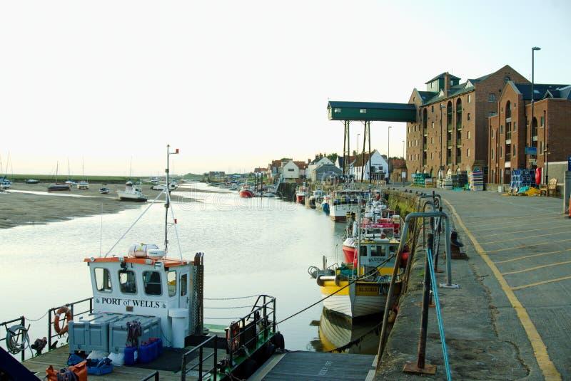 Port väller fram hamnen fotografering för bildbyråer