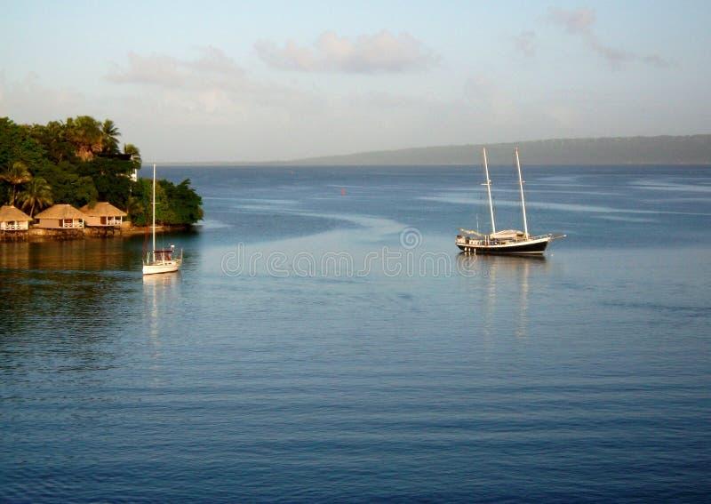 Port Vila sikt till den Irikiki ön arkivfoto