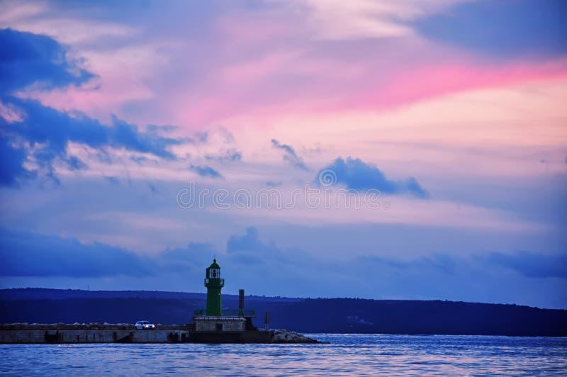 Port w rozłamu z zmierzchu niebem obrazy royalty free