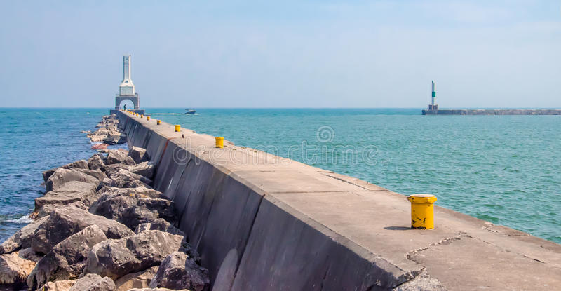 Download Port Washington Lighthouse stock image. Image of pier - 31279085