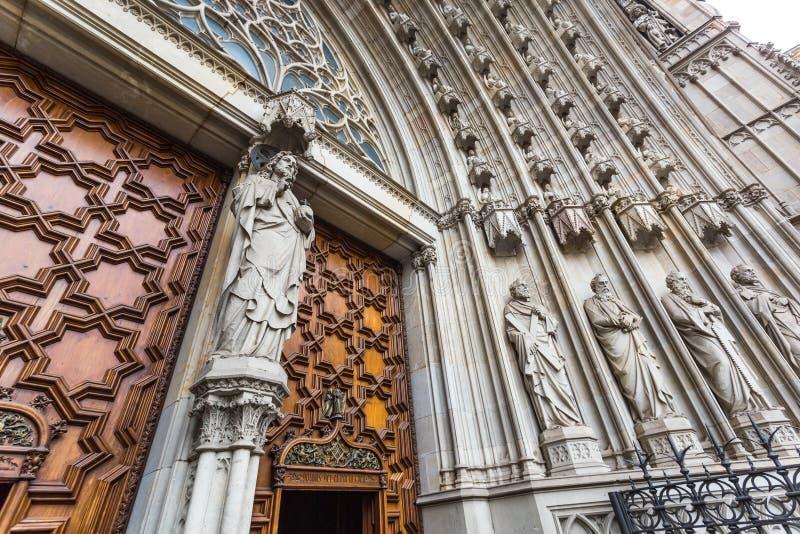 Porta alla cattedrale immagine stock libera da diritti
