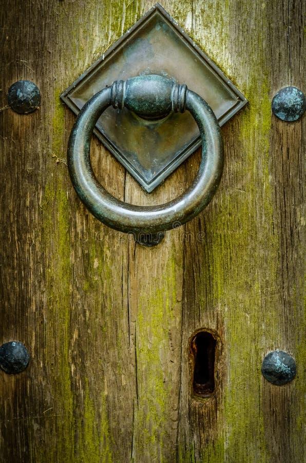 Porta antiga da igreja fotografia de stock