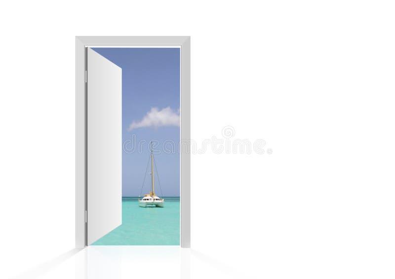 Porta aperta isolata alla spiaggia immagine stock libera da diritti